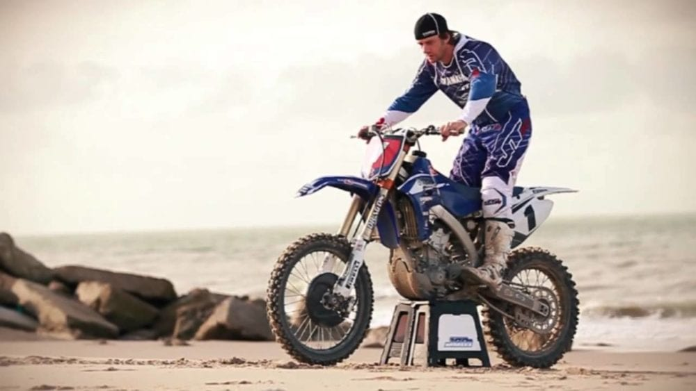 how to whip a dirt bike. The attack position.